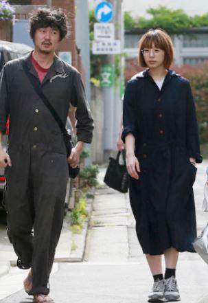 新井浩文と夏帆のフライデー 画像