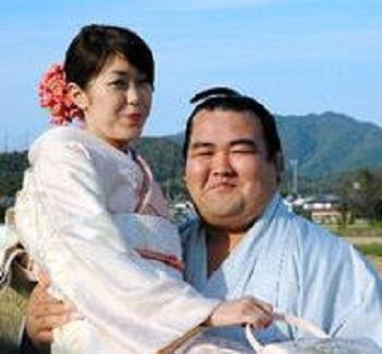 琴奨菊と福地真紀子の画像