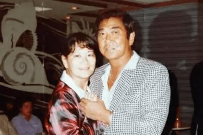 石原裕次郎と妻のマキ子の画像