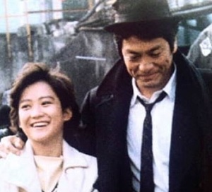 岡田有希子と峰岸徹の画像