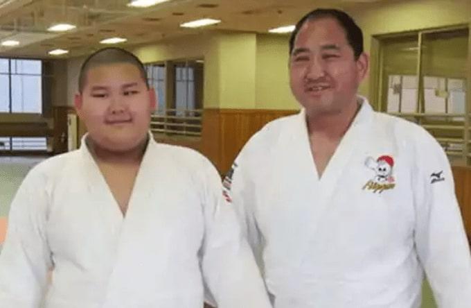 斉藤仁と息子の画像
